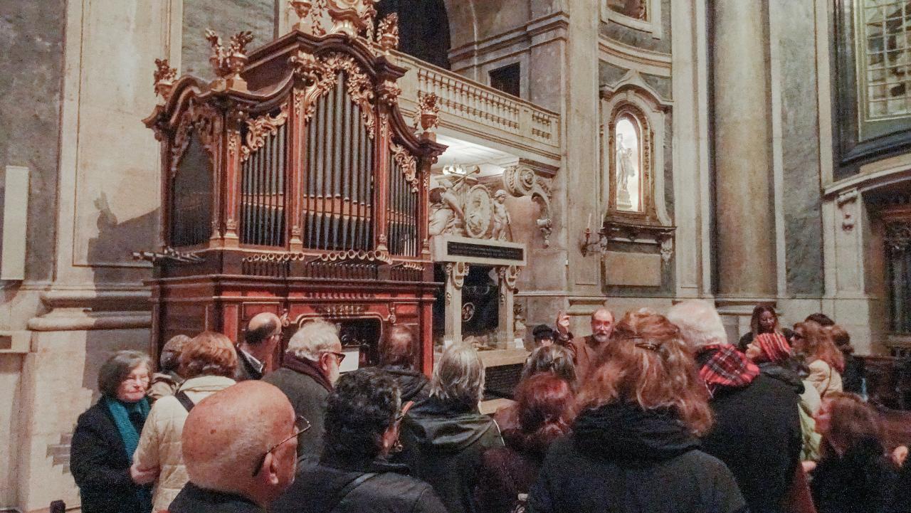 À Descoberta da Basílica da Estrela e do Presépio de Machado de Castro